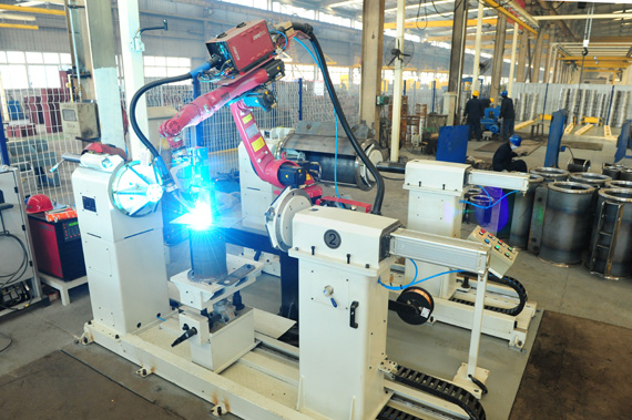 Cover welding robot